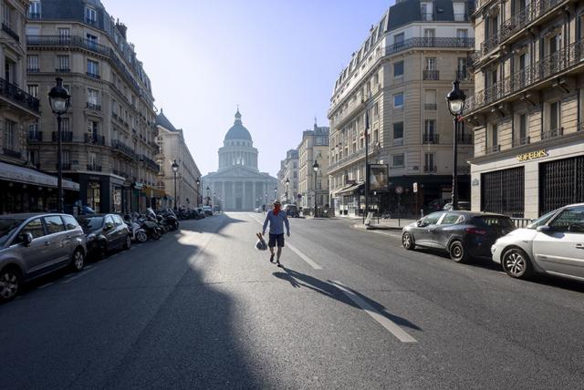 Dimanche 26 avril 2020_8h59_PARIS Ve_LE PANTHÉON_Rue Soufflot-Dimanche matin©JessicaDAVID-8389